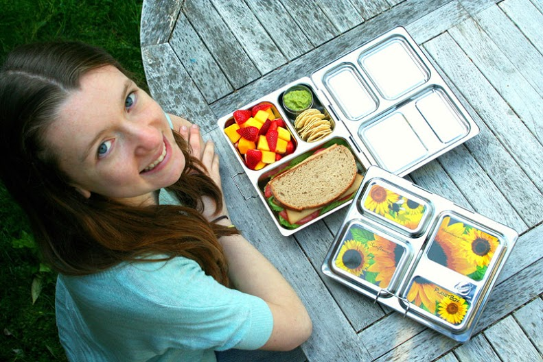 PLANETBOX_-LAUNCH-LUNCH-TEEN-SUNFLOWERS_LUNCHBOX-M