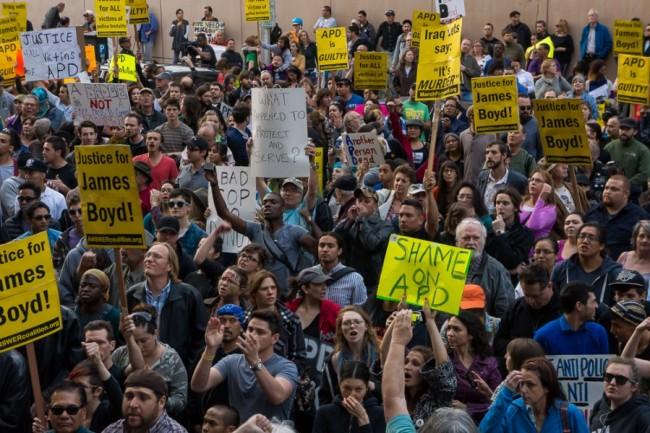 Albuquerque-Police-Protests-Turn-Violent-650x433-1